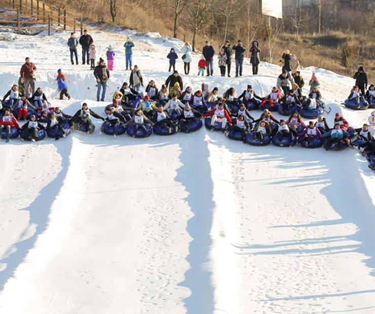 Наймасовіший спуск на сноутюбах на рекорд України